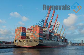 Convenient international removals London